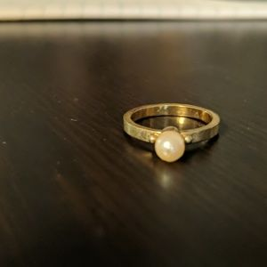 Jewelry - Gold Pearl Ring